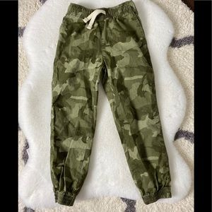 NWOT The Children's Place Boys Camo Joggers